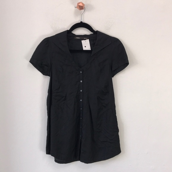 Pleated Buttondown SS Top w/ Collar